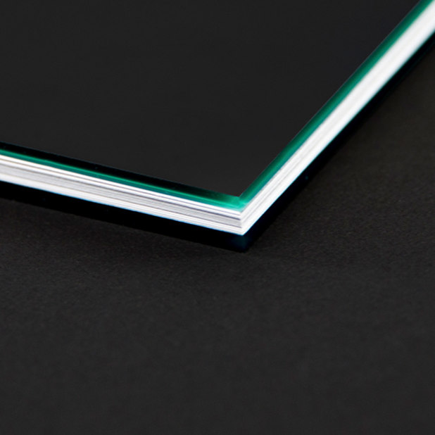 brochure design plexi glass cover – Sirin Labs – point one percent